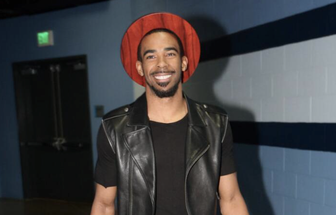 mike-conley-wooden-hat.png