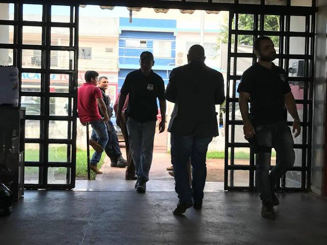 Em Cacoal, vereador é conduzido a Delegacia em viatura descaracterizada