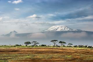 Le Kilimanjaro (5895 m, en Tanzanie)