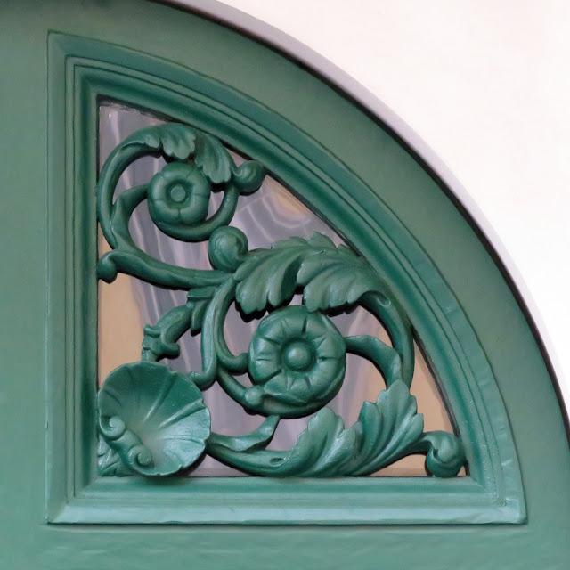 Decorated front door, Via della Maddalena, Livorno