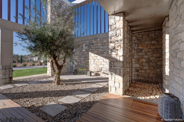 garden design Stone House in Anavissos