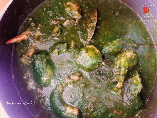 how to cook Palak Chicken / Saag Chicken / Palong Saak die Murgi recipe and preparation with step by step pictures