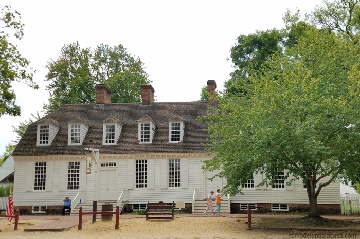 White house in colonial williamsburg