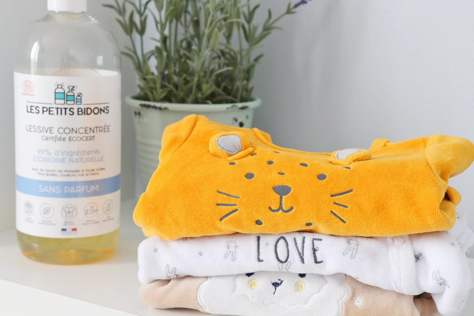 que mettre valise maternité maman bébé vêtements taille quantité soin trousseau naissance les gommettes de melo pyjama kiabi lessive les petits bidons bio