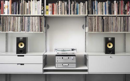 niet iedereen wil heel grote speakers in zijn huiskamer hebben staan maar mini speakers die goed geluid geven zijn ook vaak weer te duur
