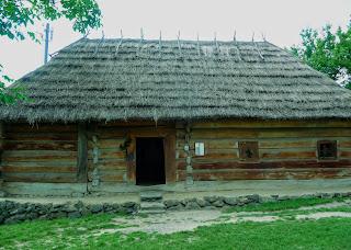Ужгород. Музей народной архитектуры и быта. Хата с. Ориховица Ужгородского р-на