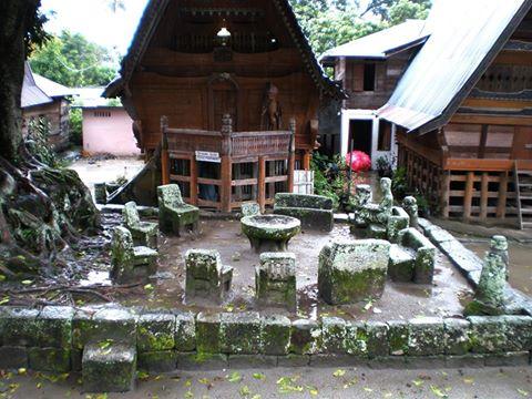 Batu Parsidangan di Huta Siallagan Pulau Samosir