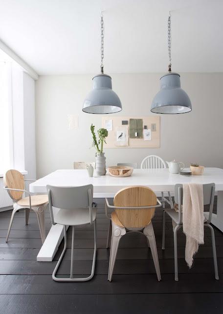 Delicatețe și gingășie în tonuri pastelate de culoare într-o casă din Olanda