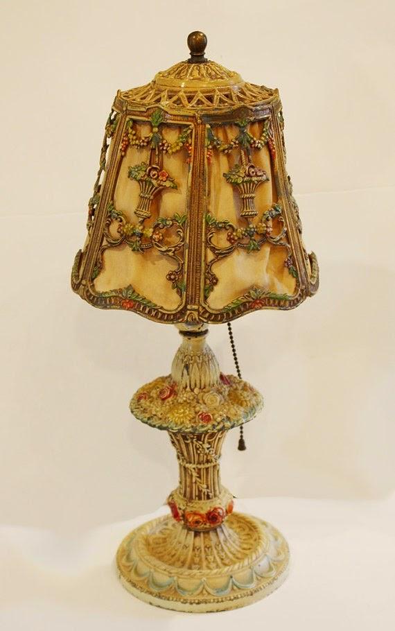 bidding vintage lamp