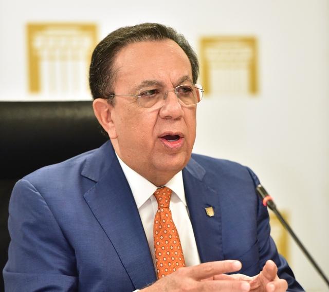 Héctor Valdez Albizu, gobernador del Banco Central de la República Dominicana