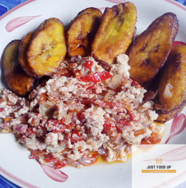 fried-platain-and-scrambled-egg-sauce