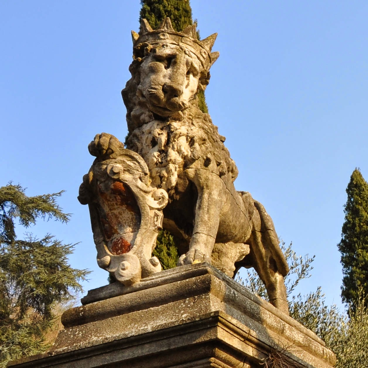 queen lioness Seven Churches Sanctuary Monselice Italy