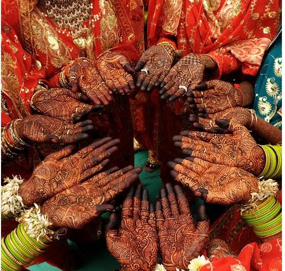 Fashion & Beauty: Beautiful Mehndi Designs Hand And Feet