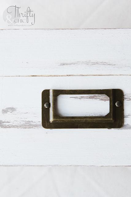 DIY Vintage or farmhouse style recipe box. DIY farmhouse kitchen decor. How to make something look vintage tutorial