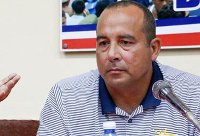 El béisbol cubano se desangra por el éxodo de peloteros, se ahuyentaron los títulos internacionales y las gradas viven el síndrome del bostezo.
