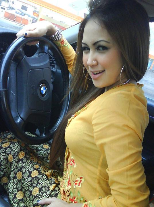 Malay awek baju kurung oren - 2 9