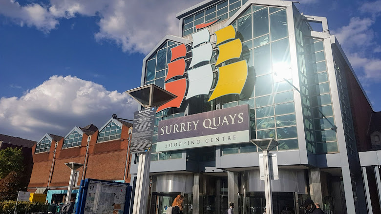 Surry Quays 購物商場