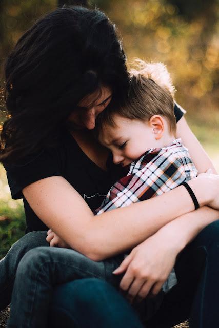 Pelukan seorang ibu