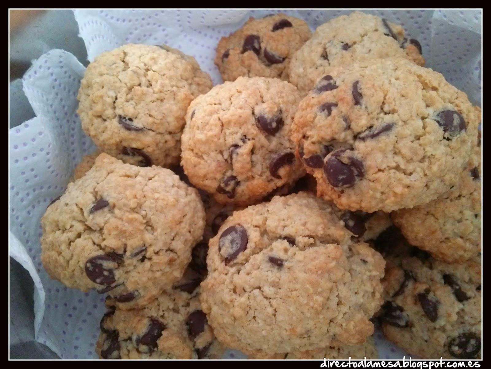 http://directoalamesa.blogspot.com.es/2015/02/galletas-de-avena-y-chocolate.html