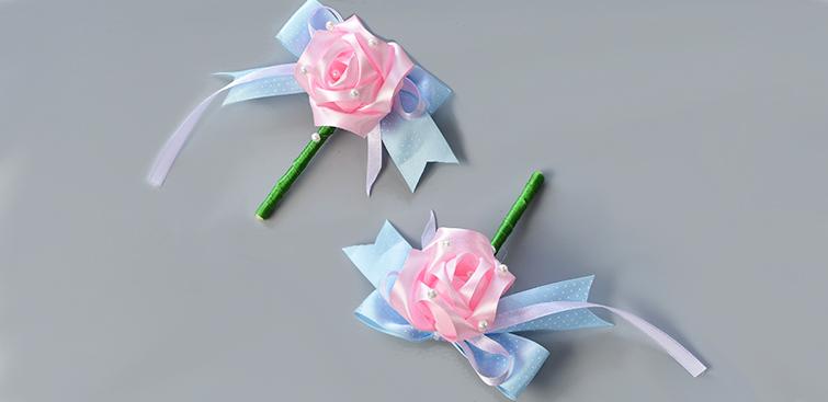 perles accesoires comment faire une broche fleur en tissu. Black Bedroom Furniture Sets. Home Design Ideas