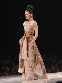 Model Kebaya Batik Elegan