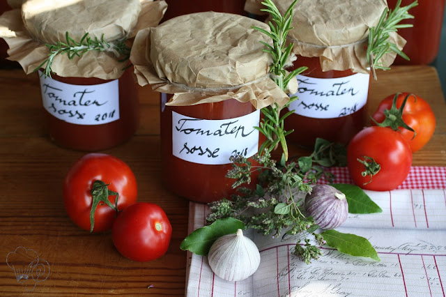 Tomatensoße im Glas konservieren