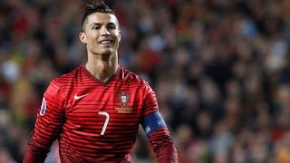 Cristiano Ronaldo dengan kostum Portugal