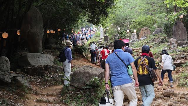 石上げ祭り1