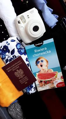 | instax | aparat | wakacje | planowanie |