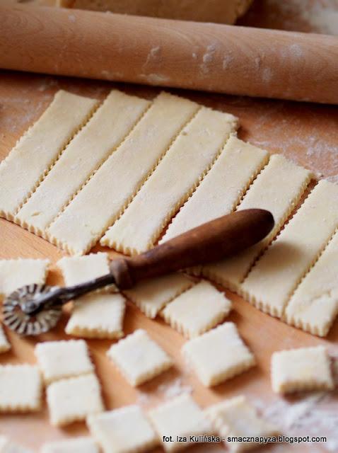 ciasteczka z bialym serem, ciasteczka serowe, ciasto jak francuskie, proste ciastka, slodkie co nieco, male slodkosci, moje wypieki, sprawdzony przepis,