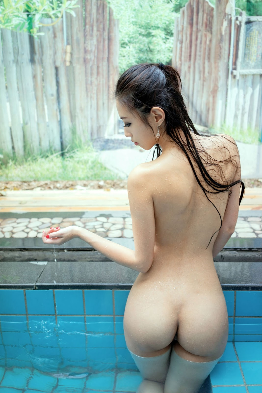 vietnamese-girls-nude-butts