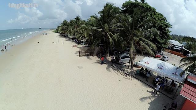 Foto Udara Pantai Kemala Beach Balikpapan