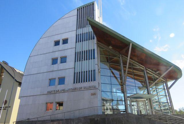 Corte de Valdivia confirma prisión preventiva de imputado por incendio de buses en Osorno