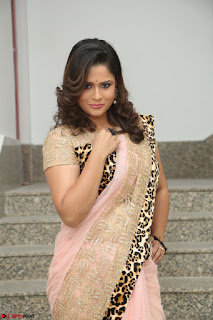 Shilpa Chakravarthy in Lovely Designer Pink Saree with Cat Print Pallu 032.JPG