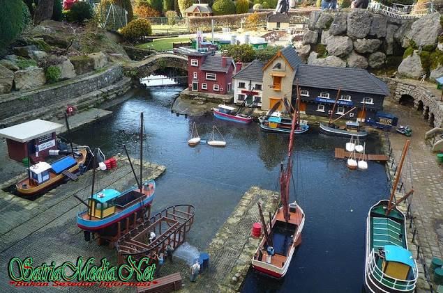 Miniatur Desa Paling Tua Di Dunia