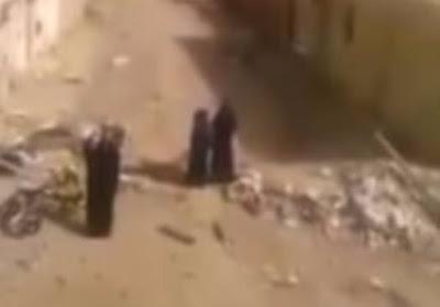 لحظات-استسلام-3-نساء-من-داعش-فى-ليبيا-كالتشر-عربية
