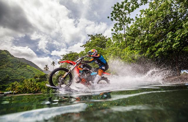 Video Motor Berjalan di Atas Air yang Bikin Kamu Tercengang