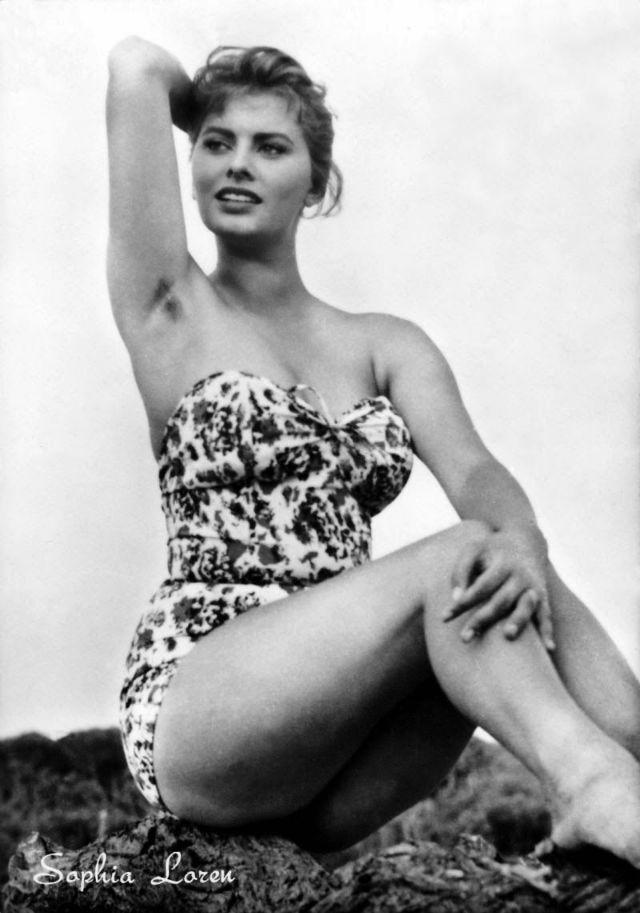 Sophia Loren Can Make Even Visible Armpit Hair Seem Sexy Vintage