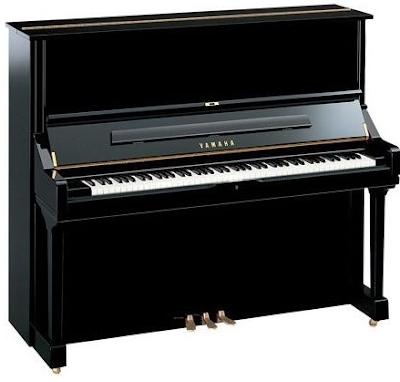 dan piano yamaha u2m