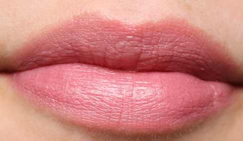 Tropic Colour Click Lipstick in Peach Perfect review swatches
