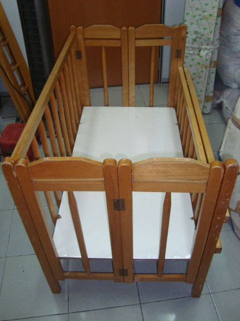 Preloved ToysWorld TheTotToys: Solid Wood Folding Baby Cot