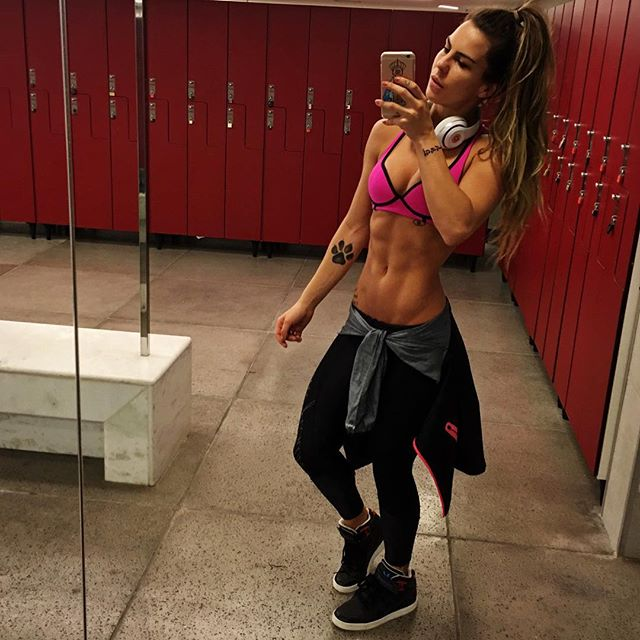 Fitness Model Camila Guper Instagram photos