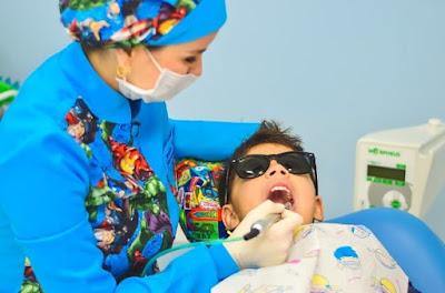 Hampir semua orang pernah mengalami yang namanya sakit gigi Penyebab Sakit Gigi dan Gejala-Gejalanya