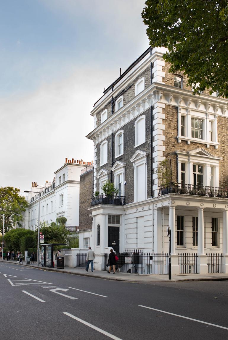 Londres-en-familia-pasear-Chelsea-edificios