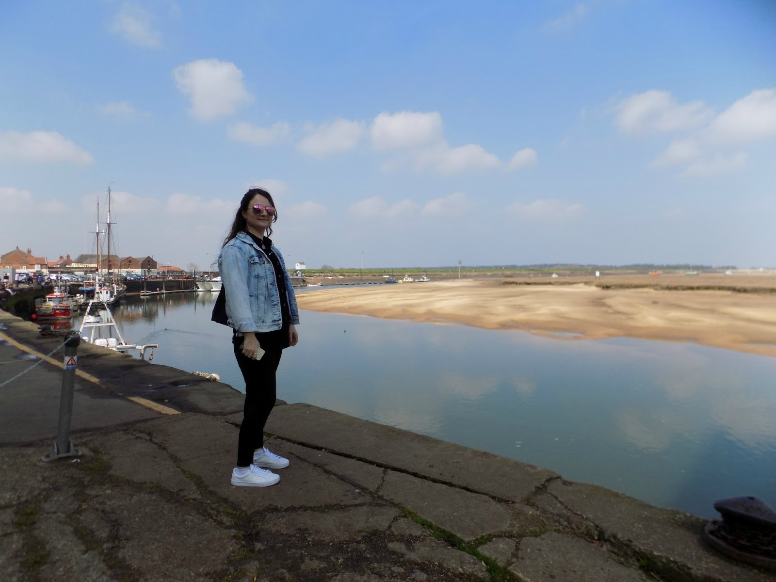 Outfit post featuring vintage denim jacket, topshop and asos at Wells next to the sea norfolk uk