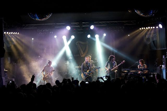 Leiva y Ariel Rot celebran el Arthur Guinness Day con un concierto apoteosico en Madrid