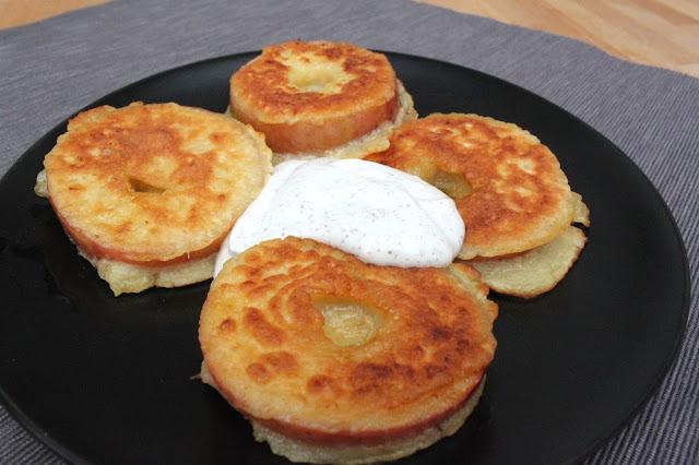 #28daysofblogging…Tag10… süße Apfelkücherl mit Zimt-Schmand