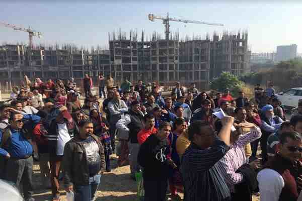 buyers-protest-against-era-edal-landmark-limited-faridabad-news