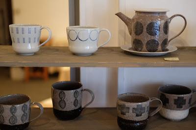 生坂村の陶芸家なかがわひとみ 松本の展示会 ポットとカップ