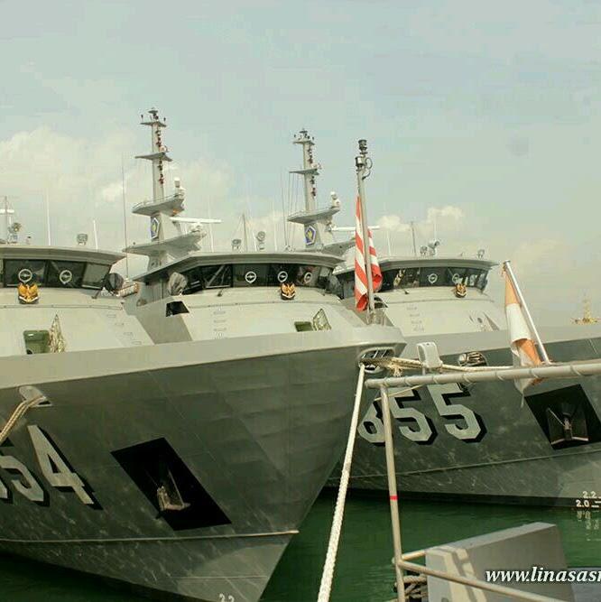 Mengunjungi Kapal Perang TNI Angkatan Laut KRI Layaran 854